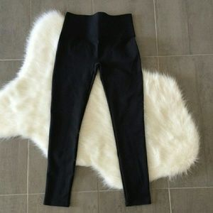 🎉OFFERS SPANX High waisted crop leggings